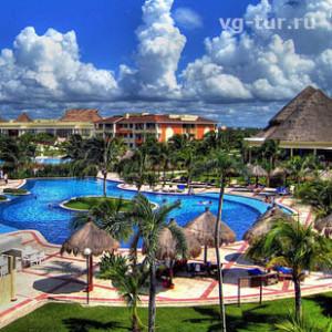 отель с бассейном в Мексике