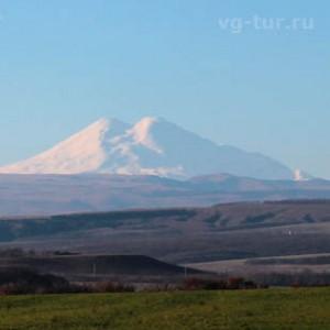 Вид на Эльбрус из города Ессентуки